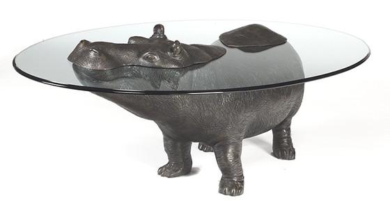 Nilpferd als Tisch (Bild Sculptart)