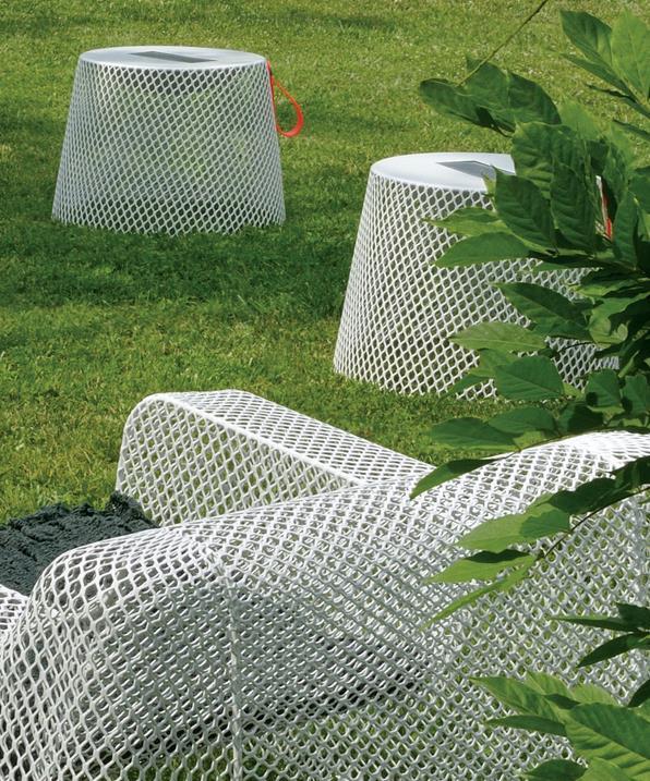 Gartensessel ivy von paola navone f r emu design m bel for Tisch bild von ivy design