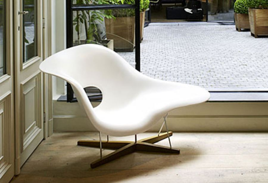 La Chaise von Charles & Ray Eames