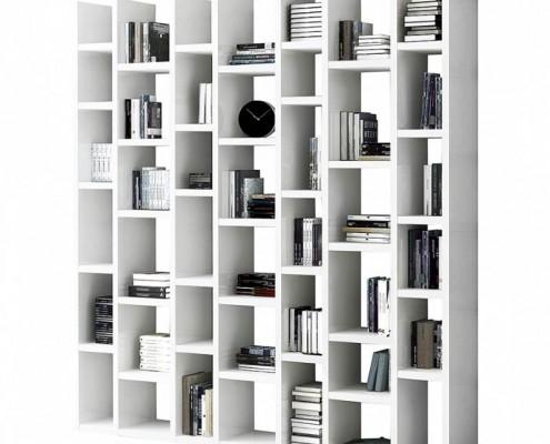 Bücherregal in weiss, auch als Raumteiler verwendbar