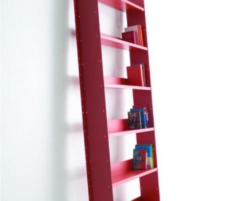 Bücherregal als Leiter