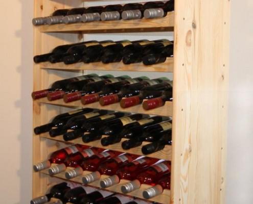 Schönes Weinregal aus Massivholz zu einem sehr guten Preis
