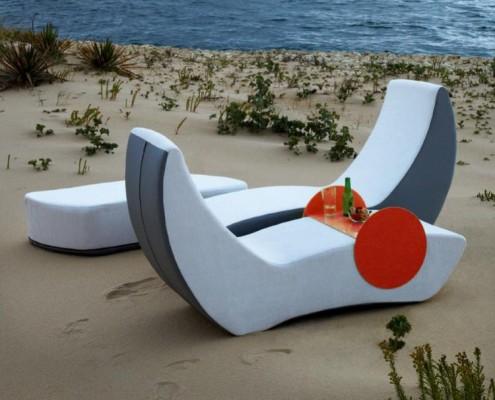 Lounge verbirg sich ein Set aus neun Möbelstücken