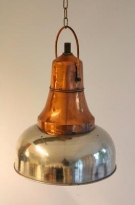 Belgische Industrielampe als Blickfang Ihrer Einrichtung