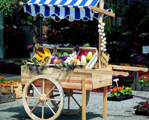 Marktwagen als Gartenbar