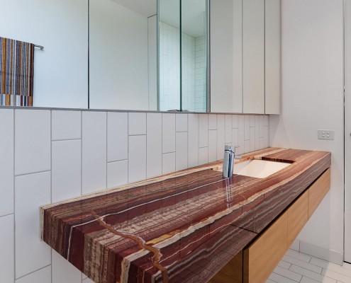 Wunderschönes Waschbecken aus Stein