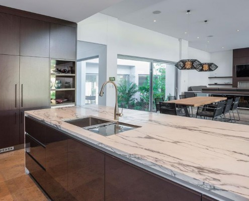 Küche, Esszimmer und Wohnbereich