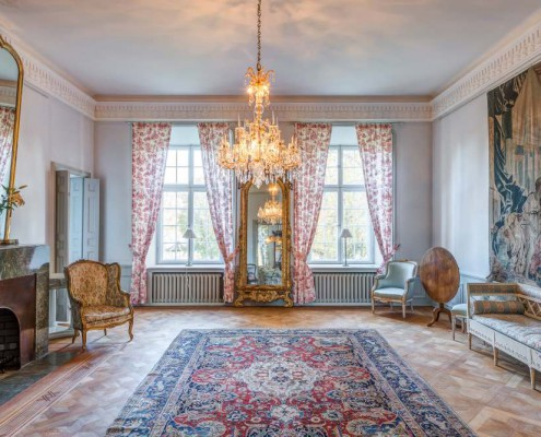 Wohnraum mit alten Möbeln