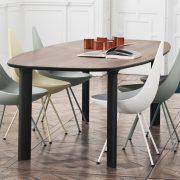 Esszimmer mit Drop Stuhl und Analog Tisch