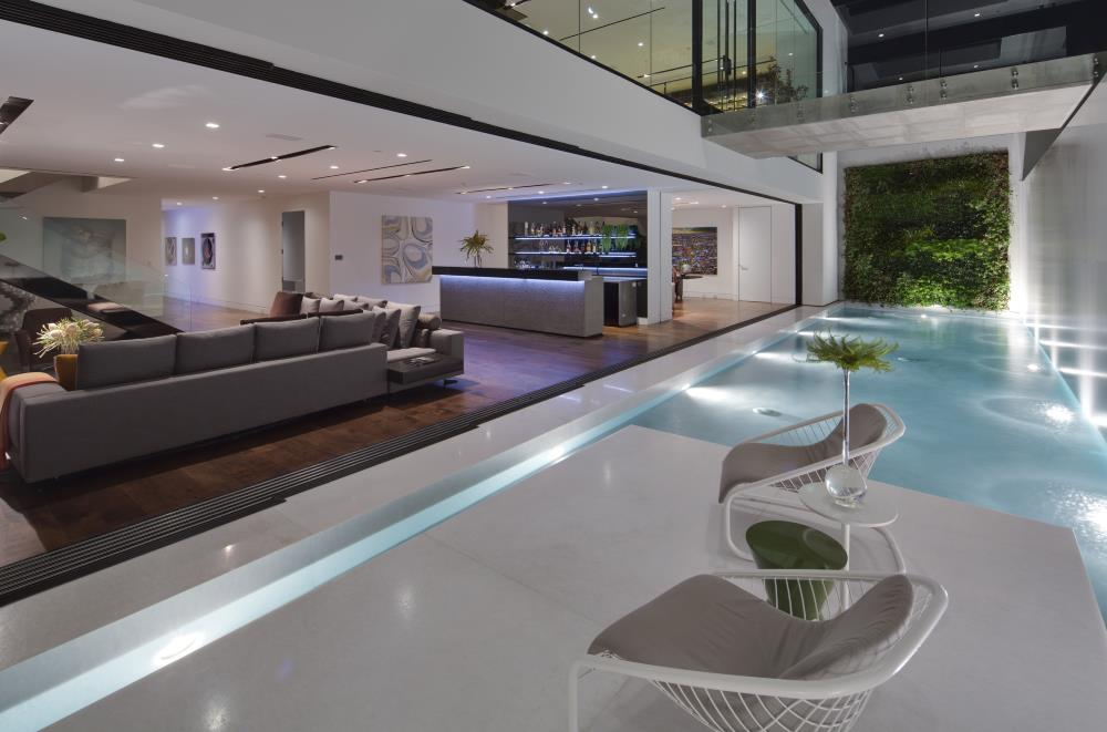 Wohnraum und Pool