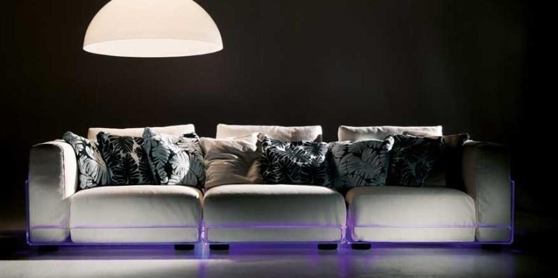 Beleuchtetes Sofa