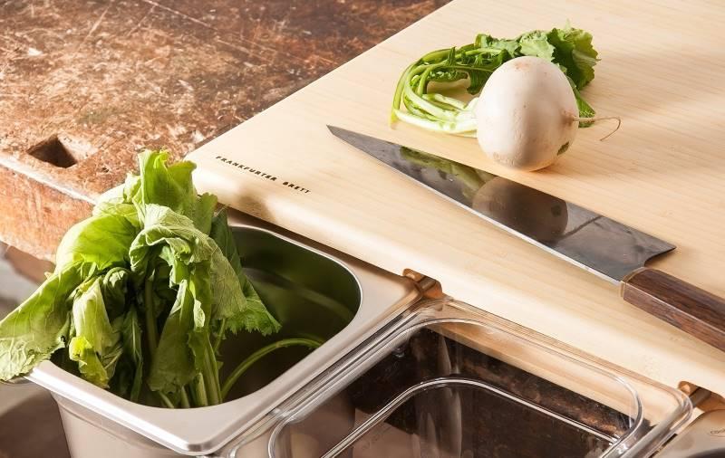 Frankfurter Brett der praktische Helfer in der Küche