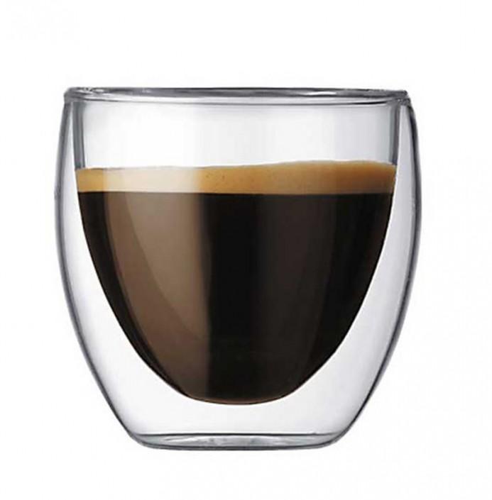 Auch ein Espresso schmeckt aus dem doppelwandigen Glas