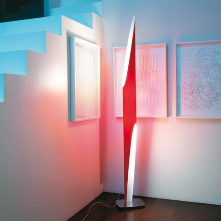 Stehlampen Shakti – einfaches Design jedoch enorm wirkungsvoll