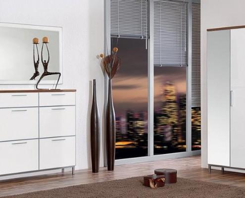 Auch von dieser Möbelserie gibt es alles für das Vorzimmer