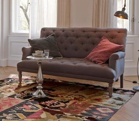 Sofa im Chesterfieldlook