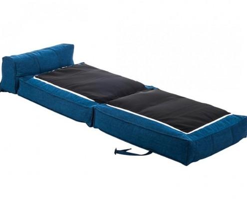 Schlafsessel Caneva im aufgeklappten Bettenmodus