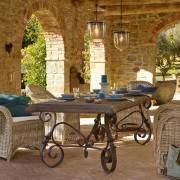 Ein stabiler Tisch ist die Basis eines schönen Festes