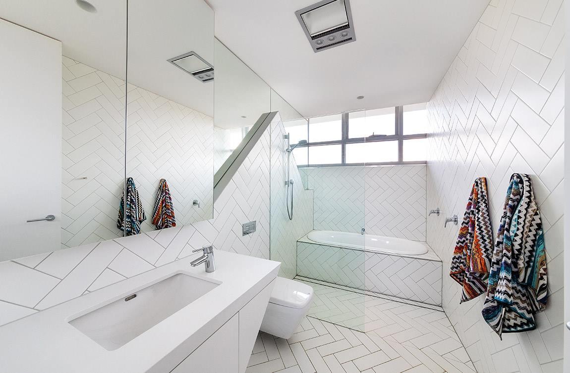 badezimmer ganz in wei design m bel. Black Bedroom Furniture Sets. Home Design Ideas