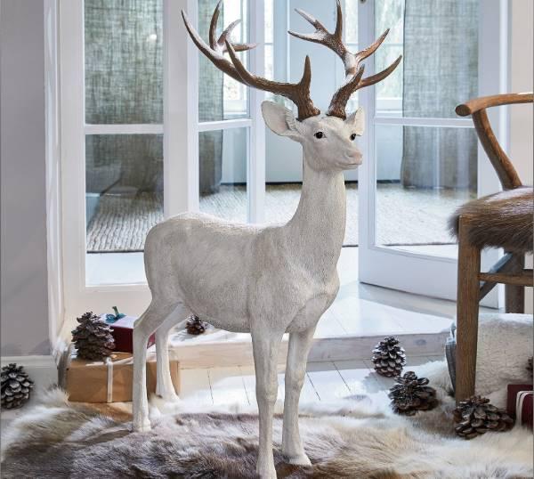 Großer Hirsch für Weihnachten