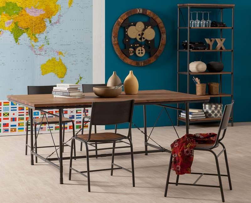 Esstisch Atelier aus Akazie mit passenden Stühlen