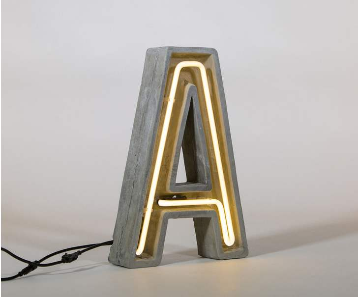 Leuchtbuchstabe A von Saletti