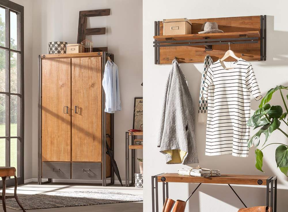 garderobenschrank holz im flur design m bel. Black Bedroom Furniture Sets. Home Design Ideas