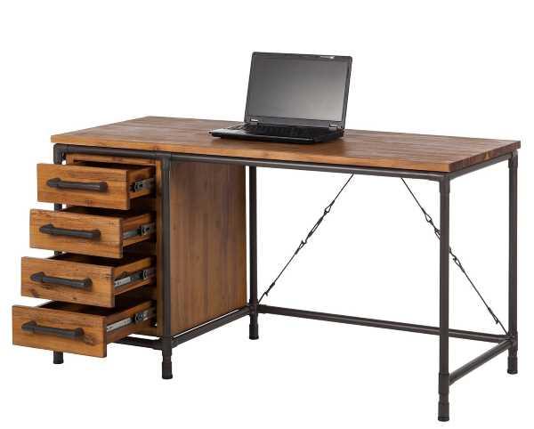 Schreibtisch im Fabrikstil