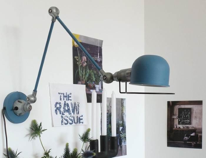 Wandlampe in blau