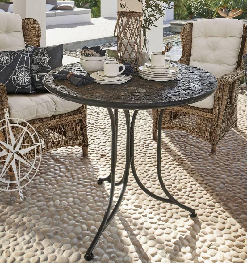 Romantischer Gartentisch