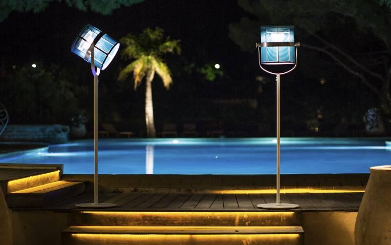 Stehlampe für den Pool